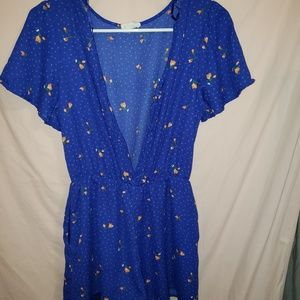 ☆Sienna Sky INCREDIBLY CUTE romper. SMALL!☆